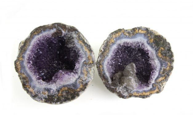 Digging for Geodes – Where to find Nature's Treasures